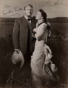 katharine hepburn and spencer tracy Classic Hollywood, Old Hollywood, Katharine Hepburn Spencer Tracy, Write On Pictures, Happy Movie, Mary Pickford, Star Wars, Thanks For The Memories, Famous Couples
