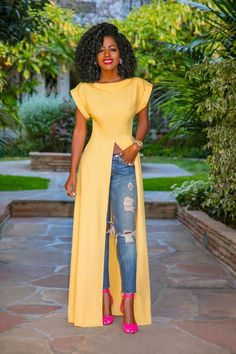 Front Slit Maxi Top Ripped Jeans The post Front Slit Maxi Top Ripped Jeans (Style Pantry) appeared first on Jean. Classy Outfits, Chic Outfits, Fashion Outfits, Gray Outfits, Jeans Fashion, Fashion Boots, Fashion Trends, African Fashion Dresses, African Dress