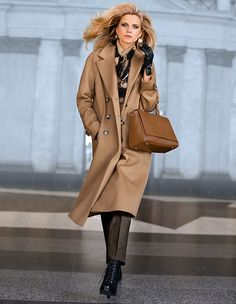Coat, new wool cashmere in the color camel - dark brown - in the MADELEINE online collection Office Fashion, Fashion Days, New Fashion, Autumn Fashion, Womens Fashion, Madeleine Fashion, Dressing, Elegant Outfit, Fashion Over 50