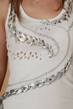 DIY: personalizar una camiseta con cintas de lazo:  /mjlopez3008/contra-la-crisis-yo-elijocoser/      BACK