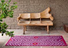 Bi Yuu es una marca integrada por seis tejedores artesanos y una diseñadora textil que hacen tapetes personalizados con diseños que van de lo tradicional a lo contemporáneo.