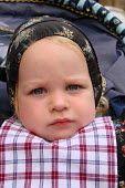 jongetje (2 jr) in spakenburgse klederdracht. Jongetjes droegen vroeger tot 4 jr een jurkje