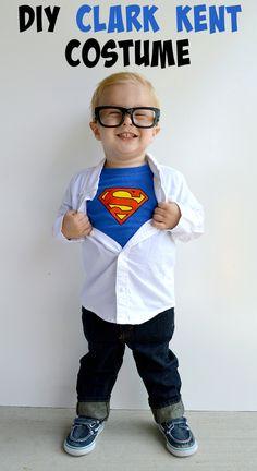 DIY Clark Kent Costume - perfect Halloween costume for boys! Tween Boys Halloween Costumes, Teen Boy Costumes, Superman Costumes, Halloween Kostüm, Halloween Costumes For Kids, Halloween Recipe, Women Halloween, Halloween Projects, Halloween Makeup