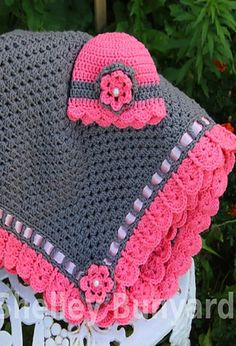[Free Pattern] This Quick And Easy Granny Square and Ribbon Baby Blanket Is A Brilliant Baby Shower Gift