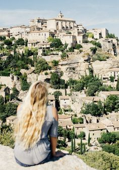 This gorgeous collection of photos from the South of France is sure to give you a serious case of wanderlust. From the aromatic fields of lavender at Sénanque Abbey to the photo-worthy foot trails of Gordes, this travel guide will have you packing your bags and throwing on your hiking boots!