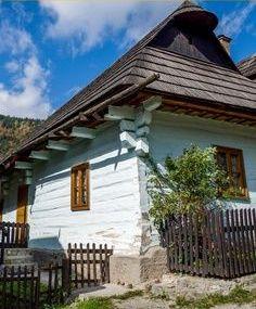 Postavím si malou chaloupku, všechno pěkné jako na zámku....(Vlkolinec na Slovensku)