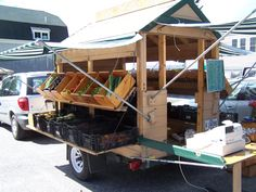 mobile farm stand, how adorable would this be as a horse drawn cart! Farmers Market Display, Market Displays, Vegetable Stand, Vegetable Shop, Market Stands, Farm Business, Farm Store, Fruit Stands, Market Garden