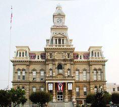 Muskingum County Courthouse in Zanesville, Ohio