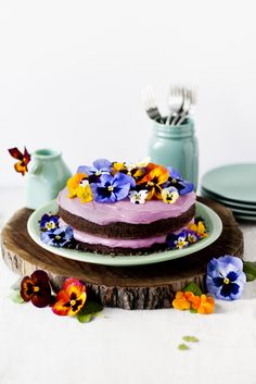 Rikki Snyder Photography | Blog | Pansy Cake With Edible Dirt