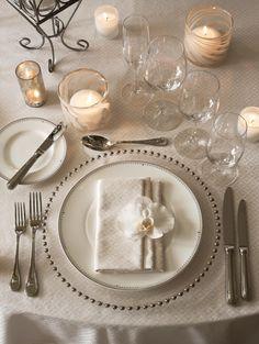 The St. Regis Princeville Resort, Wedding Table Set up, Weddings in Hawai'i