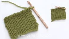 How to crochet a knit stitch in Tunisian/Afghan crochet Crochet Tote, Tunisian Crochet, Crochet Hooks, Afghan Crochet, Garnstudio Drops, Crochet Carpet, Magic Circle, Knit In The Round, Crochet Squares