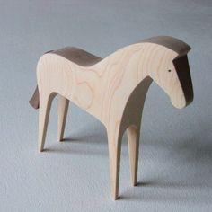 Unique Furniture, Furniture Design, Wood Projects, Woodworking Projects, Cute Little Things, Whittling, Horse Art, Wood Sculpture, Wood Carving
