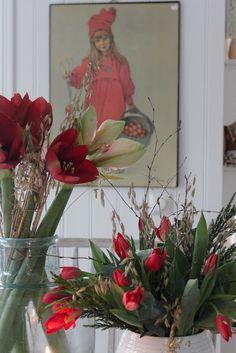 Houseplants for Better Sleep Vibeke Design Scandinavian Christmas, Scandinavian Style, Scandinavian Cottage, Christmas Lanterns, Christmas Decorations, Raindrops And Roses, Vibeke Design, House And Home Magazine, Twists