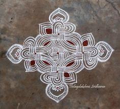 Rangoli and Art Works: PADI KOLAM Rangoli Borders, Rangoli Border Designs, Kolam Rangoli, Simple Rangoli, Padi Kolam, Muggulu Design, Rainbow Loom, Line Drawing, Crochet Stitches
