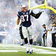 Tom Brady, Rob Gronkowski connection powers Patriots