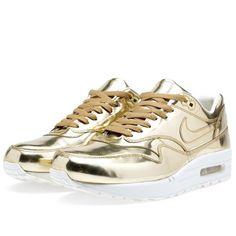 Nike Air Max 1 SP 'Liquid Gold' (Metallic Gold) I want so bad! Tênis Nike Para Corrida, Tênis Nike Grátis, Tênis Nike Barato, Nike Outlet Tênis, Treino Da Nike, Nike Lunar, Ouro Líquido, Ouro, Estilo