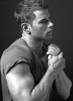 Kellan Lutz is sexy without trying