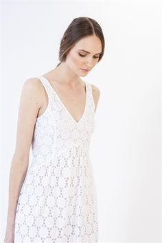 Fresh white cotton is hard to go past in the summer, and even better in the form of a classic sundress. The lining is slightly shorter than the layer of broderie anglais, revealing a sheer panel at the hemline. Size & Fit: Model is 177cm tall Model wears a NZ 8/ EU 36/ US 6 Wash Guide: Dryclean highly recommended due to the delicate nature of the fabric. Cool gentle hand wash in approved mild detergent. Do not bleach. Wring. Rub or tumble dry. Line dry inside out in shade. Cool iron on reve…