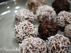 Skinny Date & Cacao Protein Bliss Balls