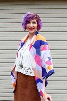 Click thru to find out how to get away with wearing a blanket scarf in the summer without overheating!