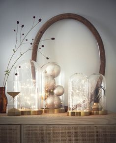 Arrange a delicate, battery powered light chain inside a decorative glass dome, and display it alongside other glass domes filled ornaments. French Home Decor, Cute Home Decor, Indian Home Decor, Cheap Home Decor, Home Decor Items, Home Decor Accessories, Interior House Colors, Home Interior Design, Home Remodeling Diy
