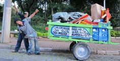 Pimp My Carroca is a scheme where artists in Sao Paulo celebrate recycling and rubbish collectors by customizing their carts. Puro Osso, Vale Do Anhangabaú, Garbage Waste, Country Artists, Wheelbarrow, Street Artists, Mtv, The Collector, Graffiti