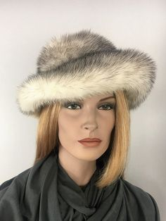 43d1cbb183f Vintage polar fox fur hat. Fox HatCaps HatsWinter ...