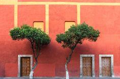 easterndesignoffice:  vivirenmexico:  Centro de Queretaro, Queretaro. México   open the door