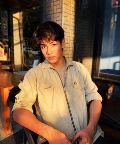 จะมีอะไรร้อนกว่าเเดดเมืองไทยไหม? 🔥🔥 2moons The Series, 2 Moons, Asian Actors, Bambam, Boyfriend Material, Chen, Comebacks, Actors & Actresses, Thailand