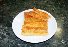 A legegyszerűbb sajtos rúd My Recipes, Cake Recipes, Cooking Recipes, Favorite Recipes, Recipies, Hungarian Cuisine, Hungarian Recipes, Hungarian Food, Cheese Straws