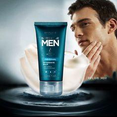 Balzam posle brijanja trenutno smiruje obrijanu kožu i pruža 24-časovnu hidrataciju.
