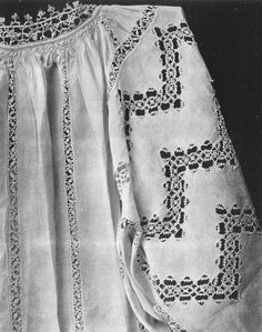 a 16th century shirt from the book Old Italian Lace by Elisa Ricci with Reticello worked into the sleeves and body
