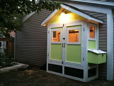 Pretty and compact urban coop.