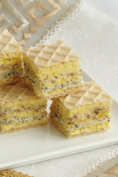 Cake with Wafer, Cream and Poppy (in romanian) Romanian Desserts, Romanian Food, Waffle Cake, Sweet Cakes, Homemade Cakes, Confectionery, Cake Cookies, Cooking Recipes, Cooking Ideas