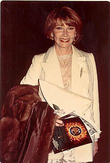 Lee Grant - Wikipedia, the free encyclopedia Lee Grant, Photography Movies, Oscar Winners, American Actress, Movie Stars, Actors & Actresses, Documentaries, Celebs, Lady