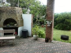Very comfortable braai area
