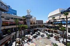 Don't let the rain keep you cooped up! Hollywood offers tons of indoor entertainment too :) #la #travel #hollywood