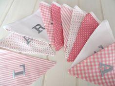 Dekoration - Wimpelkette mit Namen, weiß rosa, grau - ein Designerstück von Le-Petit-Villa bei DaWanda