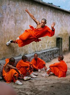 #Monks in motion.  Discover with #Steppes http://www.steppestravel.co.uk/destinations/far+east/burma/