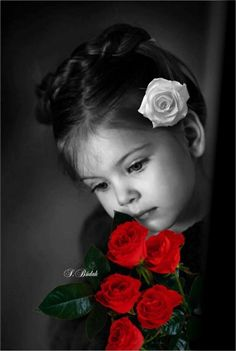 Photography Black And White Children Color Splash 56 Ideas Cute Kids Photography, Splash Photography, World Photography, Color Photography, Color Splash Photo, Splash Images, Jolie Photo, Cute Little Girls, Black And White Pictures
