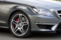 Choose alloy wheel repair over replacement alloys https://storify.com/carbodyrepairs/advantages-of-alloy-wheel-repair-derby