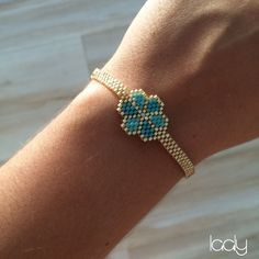 Bracelet Daisy or via Laaly Créations. Click on the image to see more!