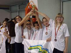 Okulumuzun Küçük Kız Takımı (Lal Kılışlı, Defne Gürses, Lara Mey Yalçın, Melisa Nielsen Yaşar, Federica Malara) ve Erkek Takımı (Kaan Adıgüzel, Onur Kocatürk, Yunus Martin Fadıloğlu, Aron Turna) 11-12-13 Mart tarihlerinde Atatürk Alsancak Kapalı Yüzme Havuzunda yapılan İzmir İli Okullararası Yüzme Yarışlarına katıldılar.