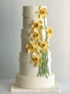Daffodil spring cake by More_Sugar Pretty Cakes, Cute Cakes, Beautiful Cakes, Amazing Cakes, Daffodil Cake, New Birthday Cake, Birthday Ideas, Cookie Recipes For Kids, Fantasy Cake