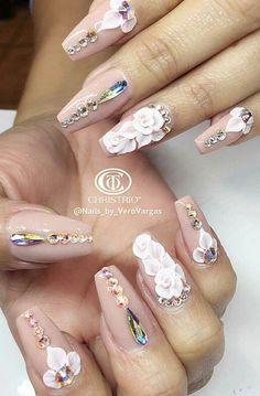 Floral rhinestone nails nailart