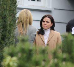Jennifer Morrison & Lana Parrilla filming scenes for episode 4x18 - February 11, 2015