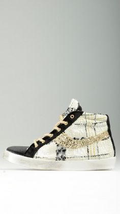 Knitted side detailing bicoloured sneakers