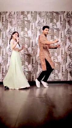 Wedding Dance Video, Indian Wedding Video, Indian Wedding Photos, Romantic Dance, Beautiful Girl Dance, Bridal Songs, Wedding Songs, Ballet Dance Videos, Dance Choreography Videos