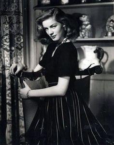 """screengoddess: """"Lauren Bacall - via http://fuckyeahlaurenbacall.tumblr.com/ """""""