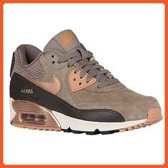 1426177eb4f38 Nike Air Max 90 Leather Womens Running Sneakers